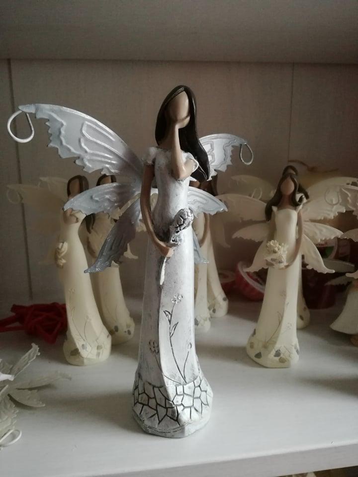 Anděl, andělka plechová křídla šedá 21cm
